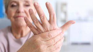 arthritis-symptoms-elderly-03